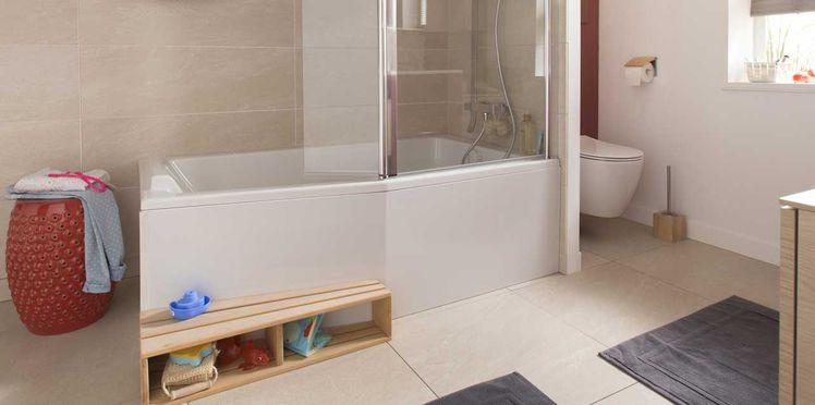 Douche ou baignoire dans la salle d'eau
